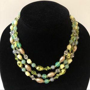 Jewelry - Vintage bead necklace.